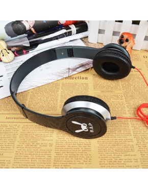 HEADPHONE ON EAR B.A.P